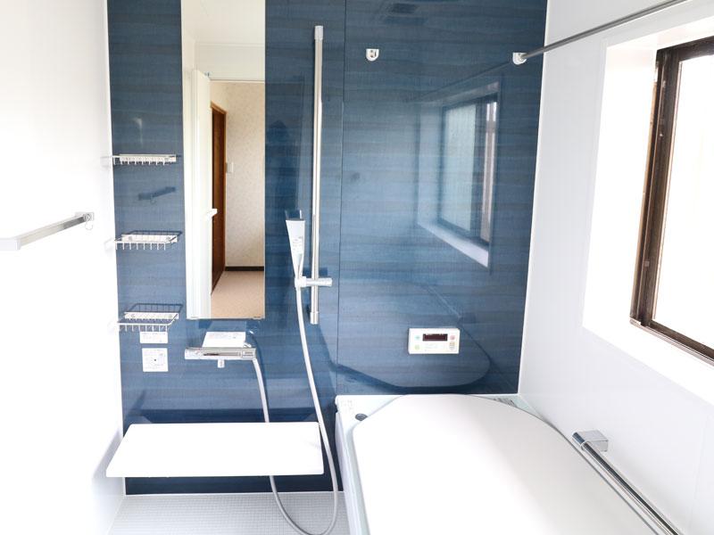 バスルームリフォーム 暖房換気扇で冬でも温かい、大きなバスルーム